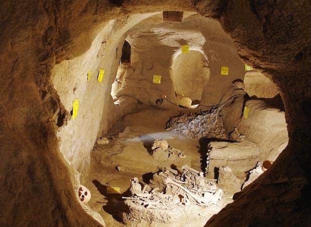 İran'da 2 bin yıllık yeraltı kenti bulundu